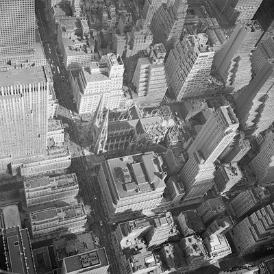 https://imgc.allpostersimages.com/img/posters/aerial-view-of-saint-patrick-s-cathedral_u-L-PZOE6C0.jpg?p=0