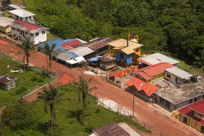https://imgc.allpostersimages.com/img/posters/aerial-view-of-the-mining-town-of-mahdia-guyana-south-america_u-L-PWFSCC0.jpg?p=0