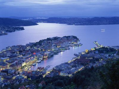 https://imgc.allpostersimages.com/img/posters/aerial-view-the-harbour-and-city-of-bergen-at-dusk-norway-scandinavia-europe_u-L-P7XJ700.jpg?p=0