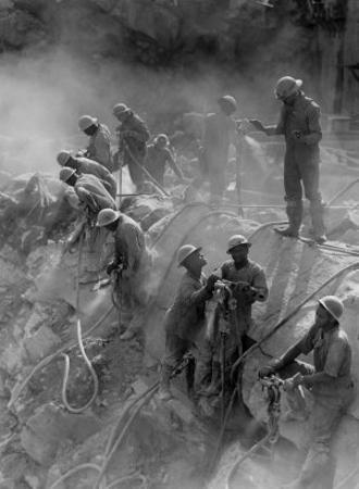 African American Workers Construction the Tennessee Valley Authority's Fort Loudoun Dam