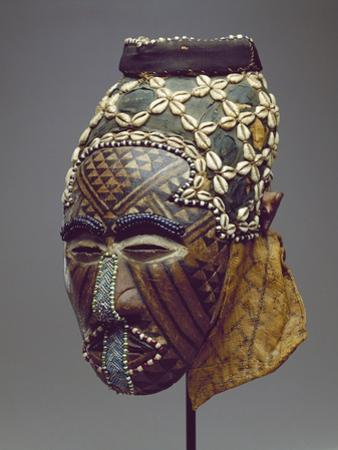 Nagaady-A-Mwaash Mask, Zaire, Kuba Kingdom (Wood, Cowrie Shells and Glass Beads)