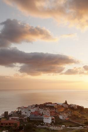 https://imgc.allpostersimages.com/img/posters/agulo-la-gomera-canary-islands-spain-atlantic-europe_u-L-PWFMOU0.jpg?p=0