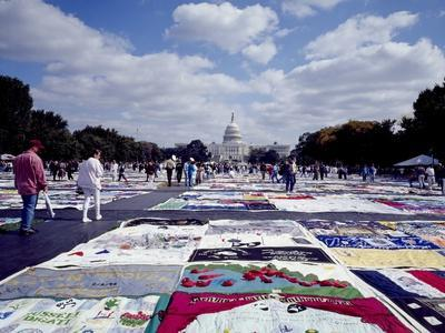 https://imgc.allpostersimages.com/img/posters/aids-quilt-is-a-memorial-to-and-celebration-of-the-lives-of-people-lost-to-the-aids-pandemic_u-L-Q10WWON0.jpg?p=0