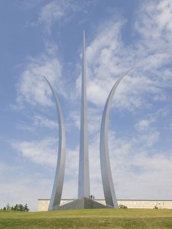 https://imgc.allpostersimages.com/img/posters/air-force-memorial-arlington-virginia-usa-district-of-columbia_u-L-PHAGWM0.jpg?p=0