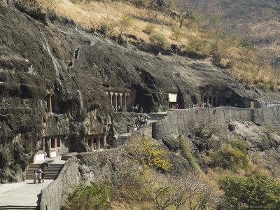 https://imgc.allpostersimages.com/img/posters/ajanta-cave-complex-maharastra-india_u-L-P2QX8D0.jpg?artPerspective=n