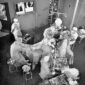 An Artifical Hip Joint Surgery by Al Fenn