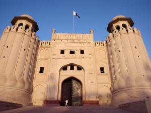 Entrance to the City Fort Built by the Moghuls Between 1524 and 1764, Lahore City, Punjab, Pakistan by Alain Evrard