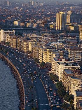 Marine Drive, Mumbai, India by Alain Evrard