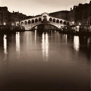 Ponte Rialto di Notte by Alan Blaustein