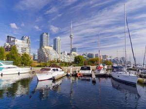 Canada, Ontario, Toronto, Marina Quay West, Skyline with Cn Tower by Alan Copson