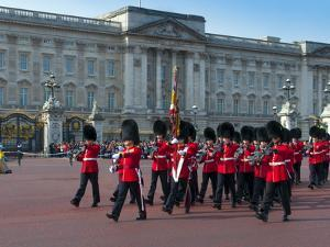 Changing of the Guard, Buckingham Palace, London, England, United Kingdom, Europe by Alan Copson