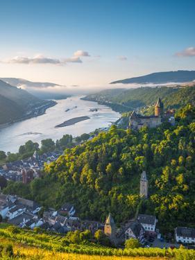 Germany, Rhineland Palatinate, Bacharach and Burg Stahleck (Stahleck Castle), River Rhine by Alan Copson