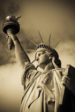 Lady Liberty by Alan Copson