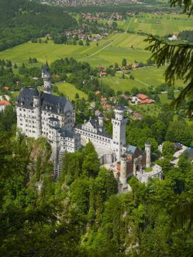 Neuschwanstein Castle, Bavaria, Germany by Alan Copson