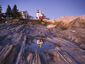 Pemaquid Point Lighthouse, Maine, USA by Alan Copson