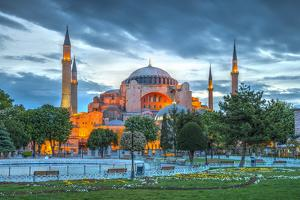 Turkey, Istanbul, Sultanahmet, Hagia Sophia (Or Ayasofya), Greek Orthodox Basilica by Alan Copson