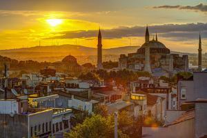 Turkey, Istanbul, Sultanahmet, Sunrise over Hagia Sophia (Or Ayasofya) by Alan Copson