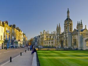 UK, England, Cambridge, King's Parade and King's College on Right by Alan Copson