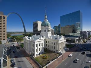 USA, Missouri, St. Louis, Old Courthouse by Alan Copson
