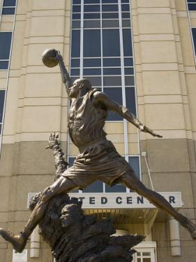 Michael Jordan statue at the United Center, Chicago, Illinois, USA by Alan Klehr