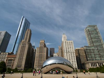 Millennium Park and Cloud Gate Sculpture, Aka the Bean, Chicago, Illinois, Usa