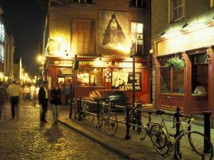 Temple Bar area at night, Dublin, Ireland by Alan Klehr
