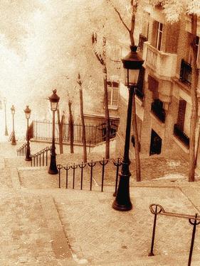 Montmartre, Paris by Alan Klug