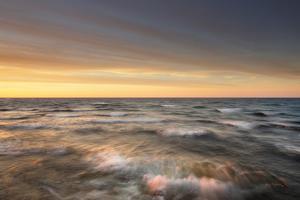 Lake Superior Waves by Alan Majchrowicz
