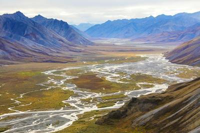https://imgc.allpostersimages.com/img/posters/alaska-brooks-range-arctic-national-wildlife-refuge-montain-landscape-and-river_u-L-Q1D07EG0.jpg?p=0