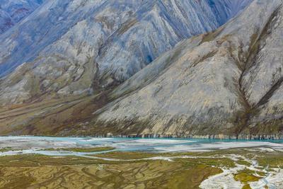 https://imgc.allpostersimages.com/img/posters/alaska-brooks-range-arctic-national-wildlife-refuge-montain-landscape-and-river_u-L-Q1D09380.jpg?p=0
