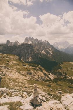 Grassy Mountain Slopes by Aledanda