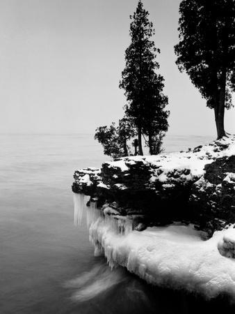 Usa, Wisconsin, Lake Michigan, Shore Scenic, Winter (B&W)