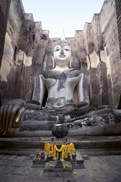 A Giant Sukhothai Era Sitting Buddha, Wat Si Chum, Sukhothai Historical Park, Thailand by Alex Robinson