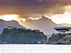 South America, Rio De Janeiro, Niteroi, Oscar Niemeyer's Contemporary Art Museum (MAC Niteroi) by Alex Robinson