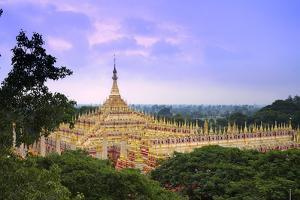 Thanboddhay Payamonywa, Sagaing, Myanmar (Burma), Southeast Asia by Alex Robinson