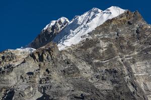 Climbers make their way to summit of Lobuche, 6119m peak in Khumbu (Everest), Nepal, Himalayas by Alex Treadway