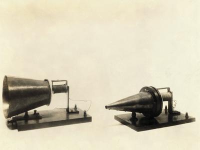 https://imgc.allpostersimages.com/img/posters/alexander-graham-bell-s-telephone-transmitter-and-receiver_u-L-PZMOO90.jpg?artPerspective=n