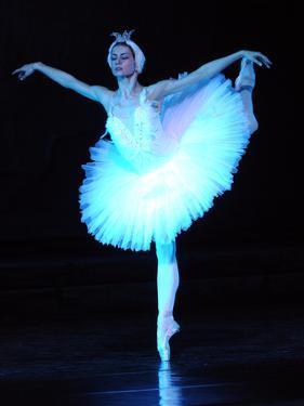 "Alexandra Timofeyeva Performs in Tchaikovsky's ""Swan Lake"" in Moscow's Grand Kremlin Palace, 2012"