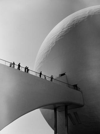 1939 World's Fair Visitors Entering the Perisphere by Alfred Eisenstaedt