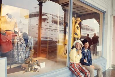 July 1973: Shopping Bermuda by Alfred Eisenstaedt