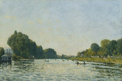 The Seine at Bougival; La Seine a Bougival, 1872 by Alfred Sisley