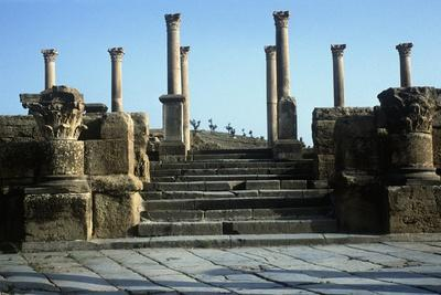 https://imgc.allpostersimages.com/img/posters/algeria-timgad-roman-colonial-town-founded-by-emperor-trajan-around-100-a-d-ruins_u-L-PRLEPV0.jpg?p=0
