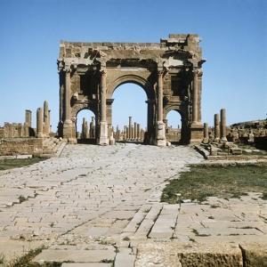 Algeria, Timgad, Thamugadi, Arch of Trajan at Ancient Roman Town