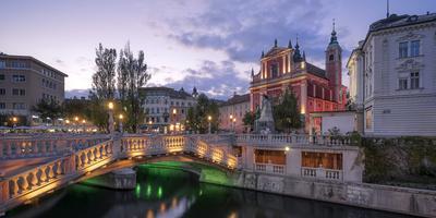 Europe, Slovenia, Ljubljana, Three Bridge And Square Franz Preseren With The Ljubljanica River