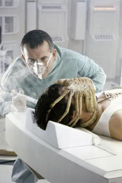 Alien, 1979 directed by Ridley Scott with Ian Holm / John Hurt (photo)