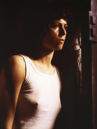 https://imgc.allpostersimages.com/img/posters/alien-1979-directed-by-ridley-scott-with-sigourney-weaver-photo_u-L-Q1C3II90.jpg?artPerspective=n