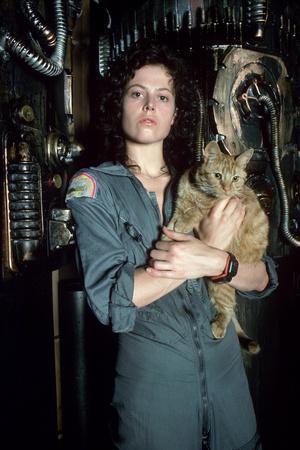 https://imgc.allpostersimages.com/img/posters/alien-sigourney-weaver-1979_u-L-Q1BUCAE0.jpg?artPerspective=n