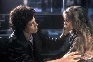 ALIENS, 1986 directed by JAMES CAMERON with Sigourney Weaver and Carrie Henn (photo)