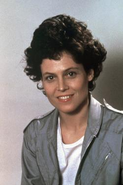 ALIENS, 1986 directed by JAMES CAMERON with Sigourney Weaver (photo)