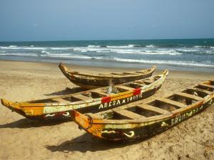 Traditional Fishing Boats on Kokrobite Beach, Greater Accra Region, Gulf of Guinea, Ghana by Alison Jones